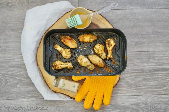 Add garlic to wings